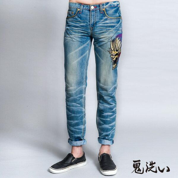 【限時5折】側爆裂鬼家徽繡印低腰直筒褲(淺藍)-BLUEWAYONIARAI鬼洗