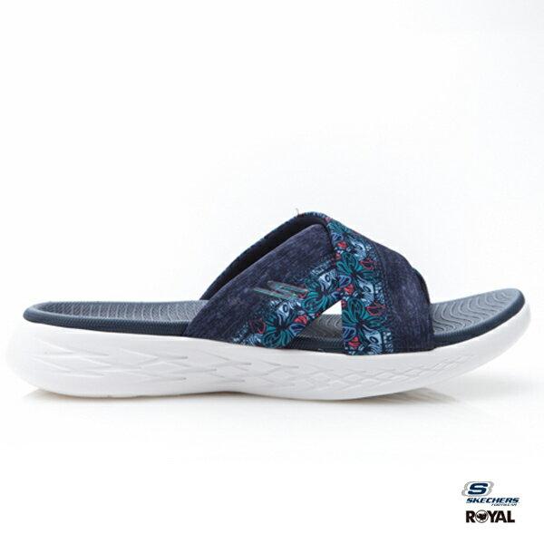 SKECHERS新竹皇家ONTHEGO深藍花布布質輕量拖鞋女款NO.I8235