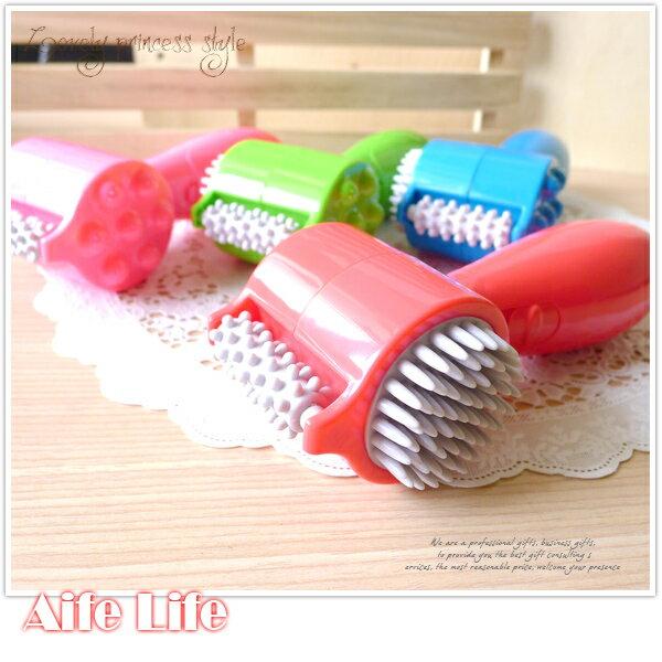 【aife life】USB 3合1電動按摩器/電動頭皮按摩器/多功能按摩器/震動滾輪按摩器/按摩棒