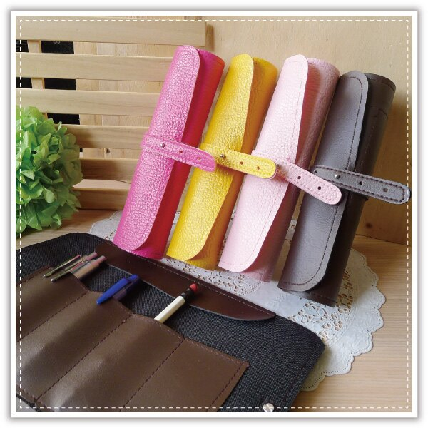 【aife life】韓國熱賣皮質捲筆袋/文具袋/筆袋/化妝袋/鉛筆盒/收納袋/化妝包/袋中袋,化妝品、文具收納超方便,放在大包包東西不會走失
