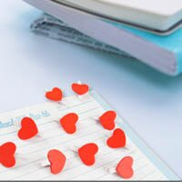 【aife life】韓國熱賣暢銷款!迷你可愛白底紅色愛心小夾子/小木夾,拍立得/名片夾/書籤/卡片夾