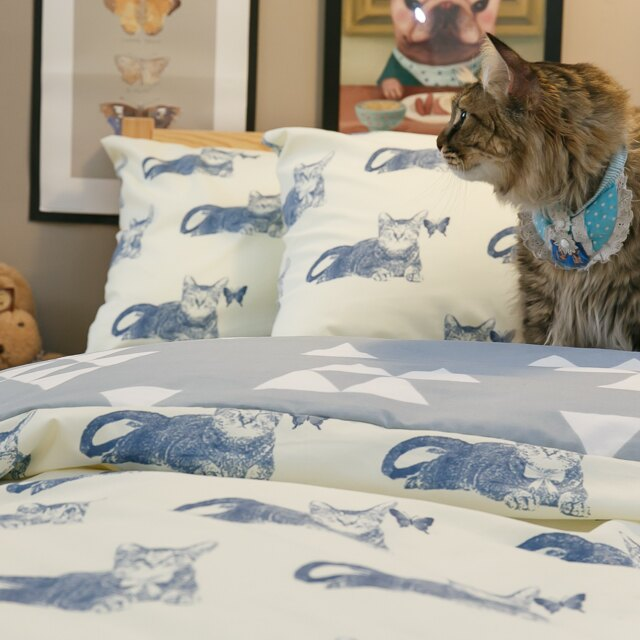 Blue cat 藍貓【床包藍底白三角形】單人 / 雙人熱賣組   舒適磨毛布 台灣製造 2