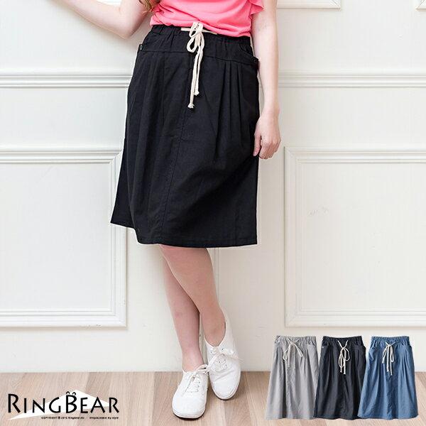 裙子--俏麗清新壓摺飾釦設計抽繩鬆緊素面休閒裙(黑.灰.藍S-3L)-Q55眼圈熊中大尺碼 - 限時優惠好康折扣