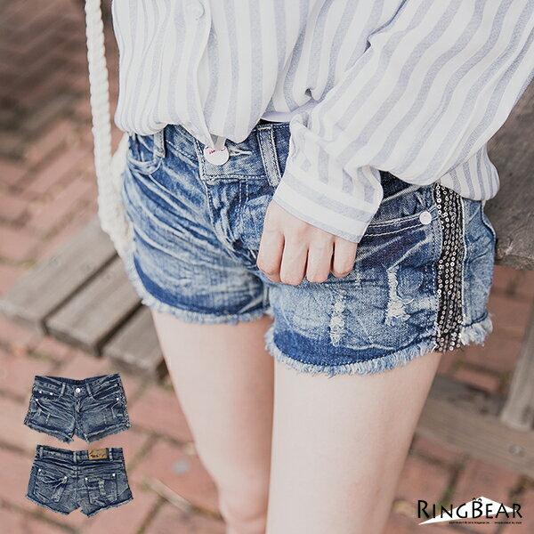 短褲--涼爽秋好刷破水波紋皺褶感側邊亮片牛仔短褲(藍S-7L)-R66眼圈熊中大尺碼