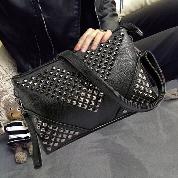 (預購)2016新款 韓版復古鉚釘手拿包 信封包 單肩包