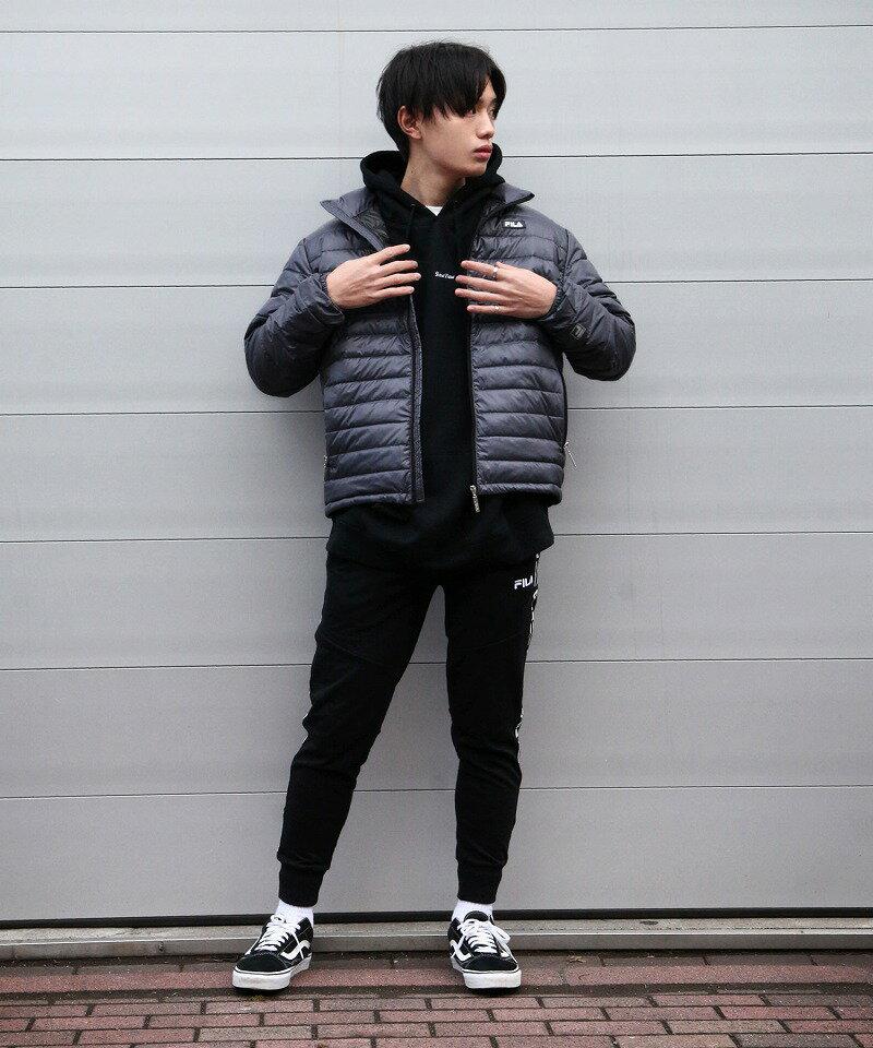 【FILA】羽絨外套 1