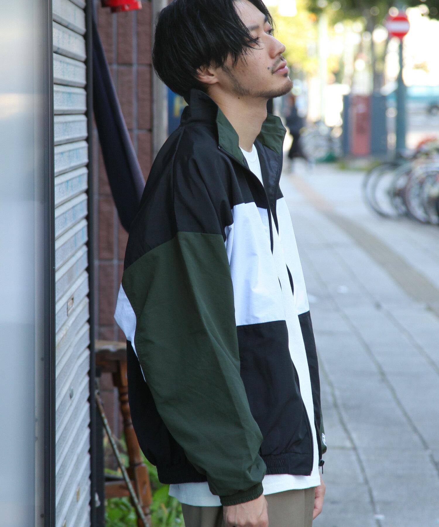 【FILA】LOGO刺繡登山外套 4