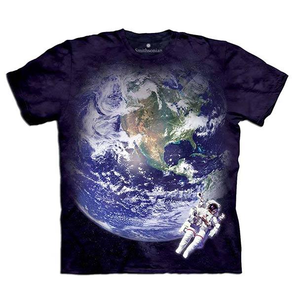『摩達客』(預購) 美國進口【The Mountain】自然純棉系列 天文地球 設計T恤