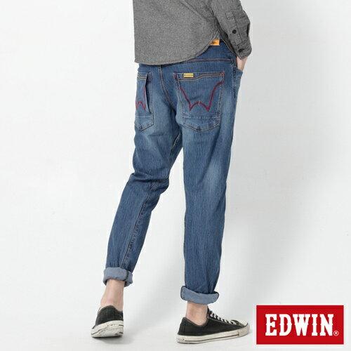【2000元優惠↘】EDWIN JERSEYS x E-F 迦績紅袋花窄直筒牛仔褲-男款 石洗藍 1