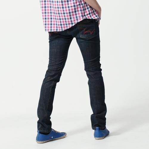 【換季最終波。任2件再9折優惠↘】EDWIN EDGE LINE 假袋蓋合身窄管牛仔褲-男款 原藍磨 0