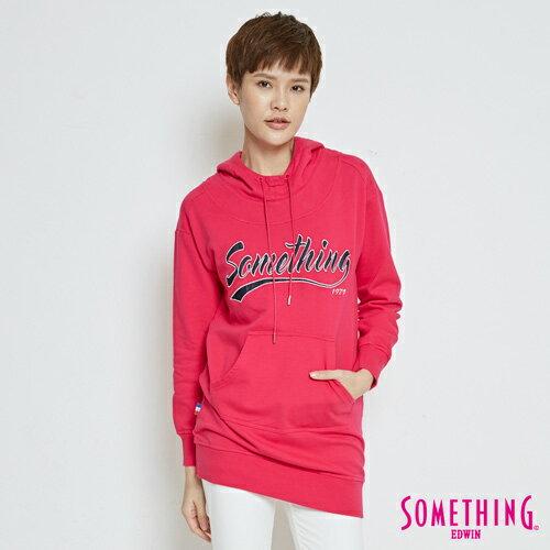 【限量5折↘】SOMETHING運動風長版連帽T恤-女款桃紅色【5月會員消費滿3000元再賺15%點數】