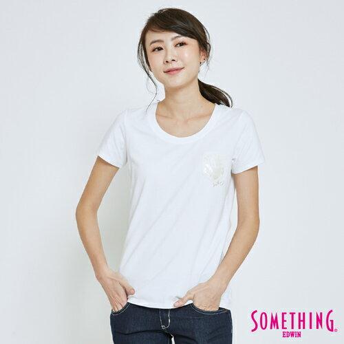 【指定新品換季7折↘】SOMETHING 鳶尾花膠印貼袋 短袖T恤-女款 白色