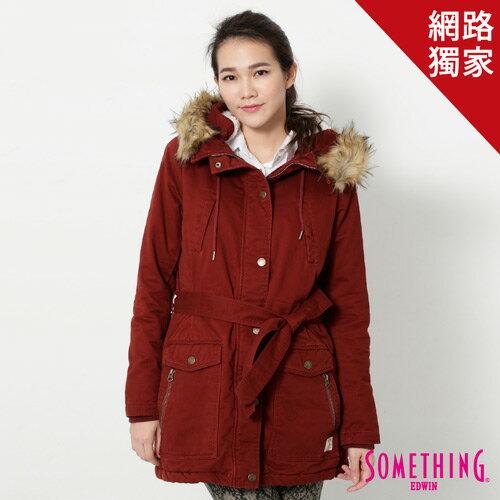 【5折優惠↘】SOMETHING 休閒俐落 毛領長版舖棉外套-女-暗紅