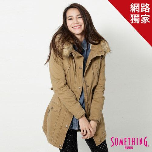 【5折優惠↘】SOMETHING 休閒俐落 毛領長版舖棉外套-女-卡其