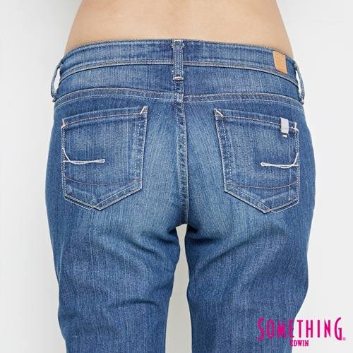 【女裝限定。任選2件1000元↘】SOMETHING NEO FIT基本 寬鬆八分褲 -女款 中古藍【9 / 11-9 / 25限定折扣↘不單售】 5