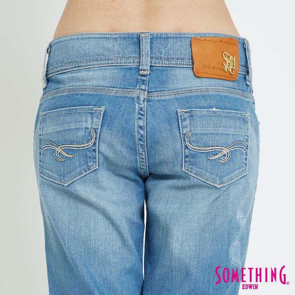 【APP領券9折】SOMETHING CELEB 輕刷破加工 八分牛仔褲-女款 漂淺藍 6