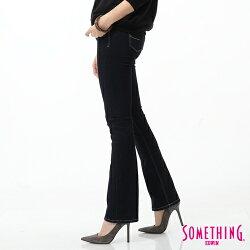 SOMETHING NEO FIT 蕾絲印花 靴型牛仔褲-女款 原藍磨 BOOTCUT