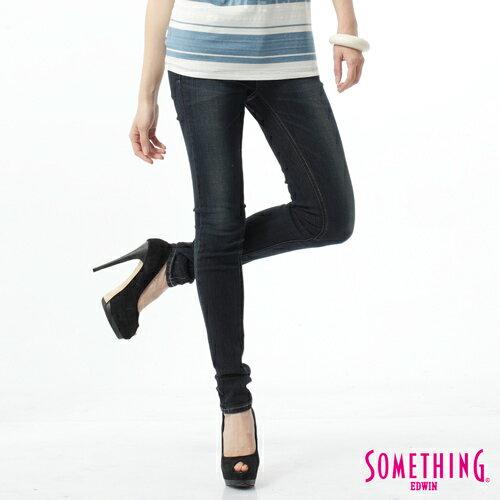 【過年加碼。2件再9折優惠↘】SOMETHING V-HIP皮飾窄直筒褲-女款 原藍磨 0