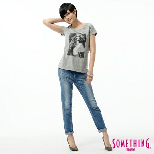 【5折優惠↘】SOMETHING CELEB 後接蕾絲繡花直筒牛仔褲-女款 石洗藍 2