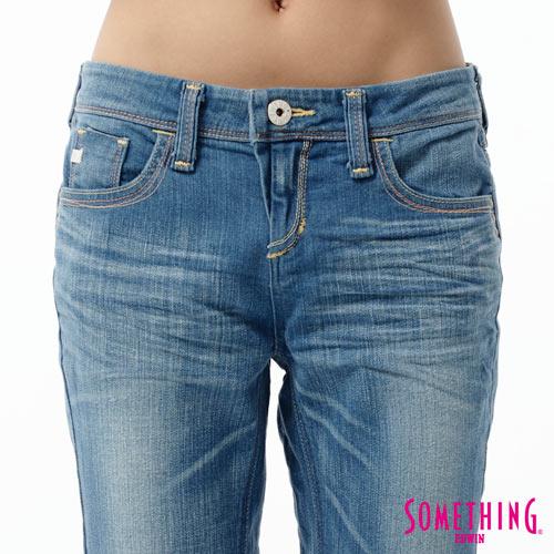 【5折優惠↘】SOMETHING CELEB 後接蕾絲繡花直筒牛仔褲-女款 石洗藍 3