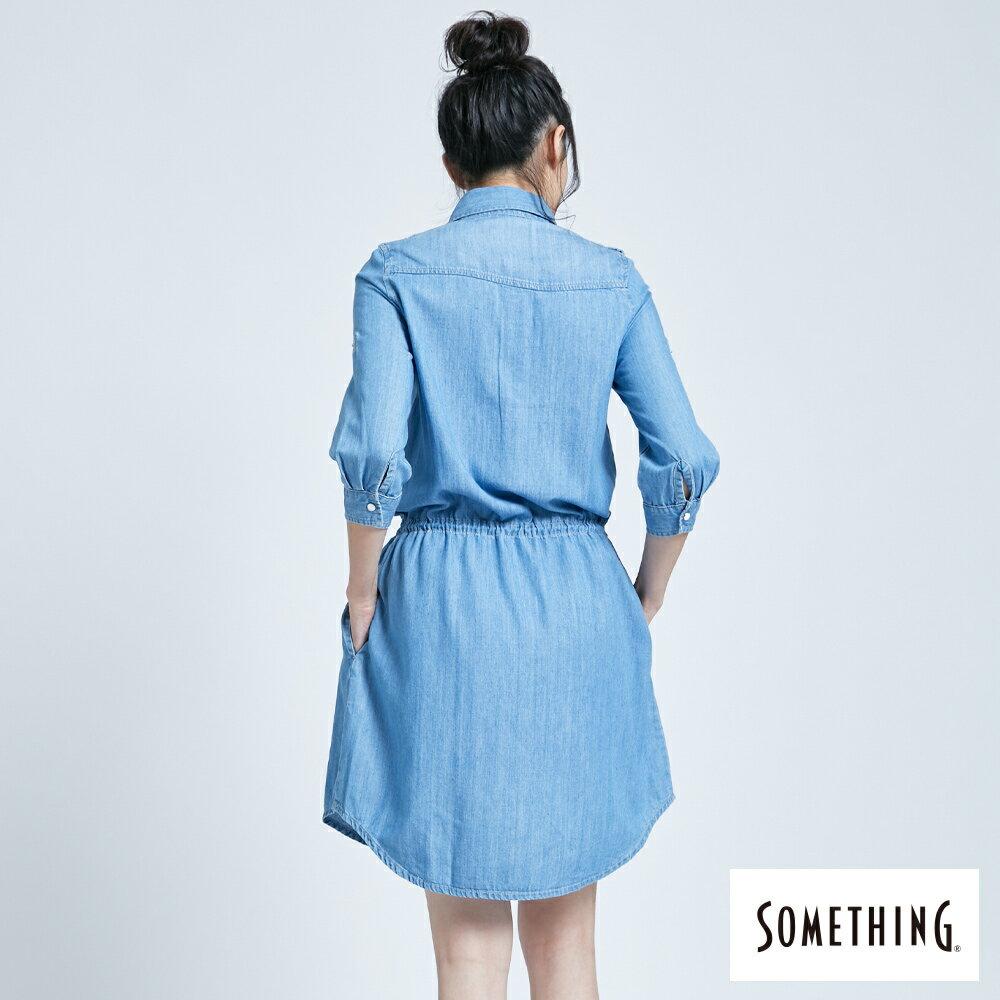 新品↘SOMETHING 休閒抽繩 牛仔連身裙-女款 漂淺藍 2