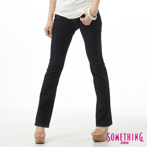 【生日慶最終檔。590丹寧補貨到↘】SOMETHINGV圓織鍺前袋剪接靴型牛仔褲-女款原藍色【525-531限定販售】