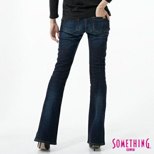 【1290元優惠↘】SOMETHING NEO FIT 低腰伸縮靴型牛仔褲-女款 原藍色 1