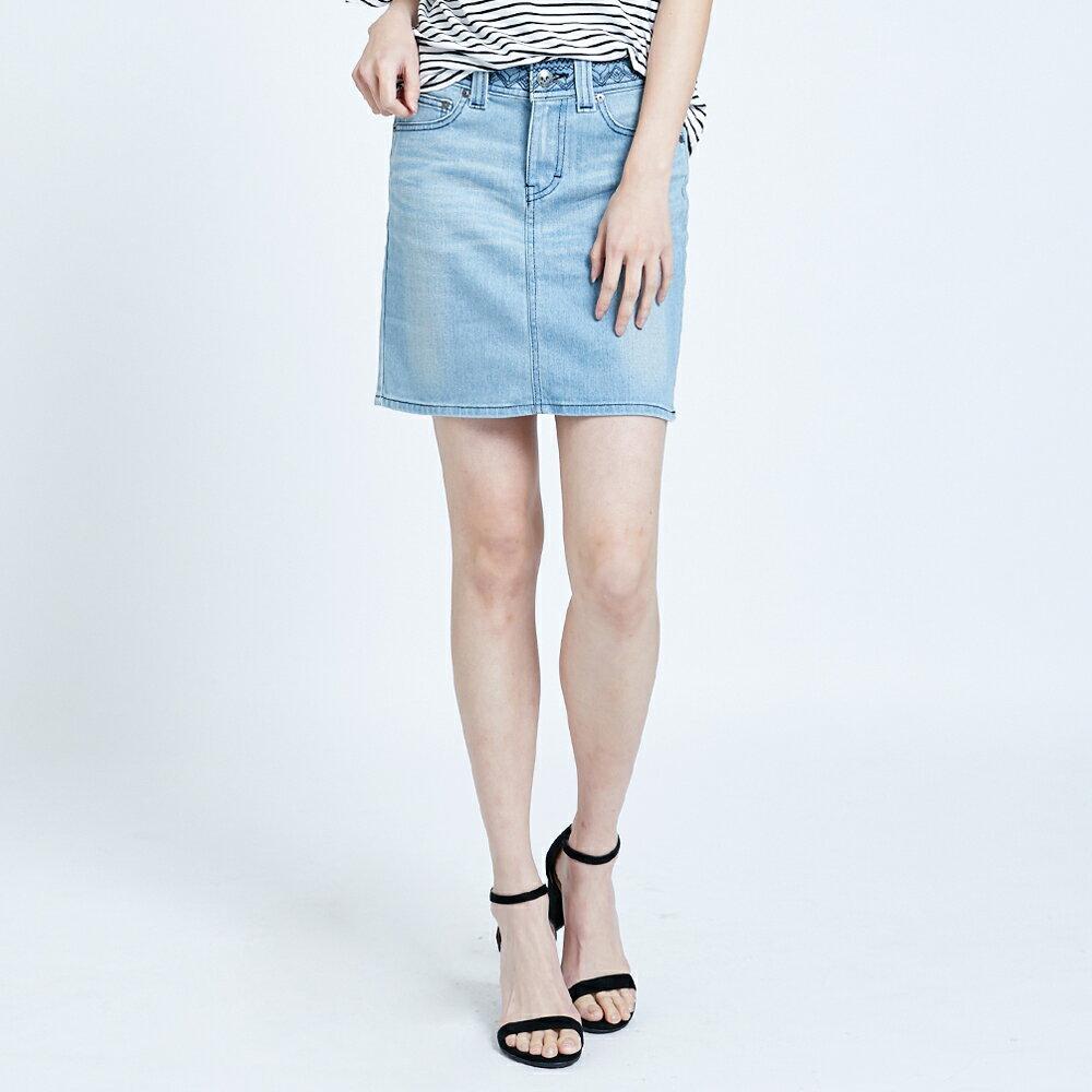 SOMETHING NEO FIT 腰頭繡花刷色 牛仔短裙-女款 拔淺藍 SKIRTS 1