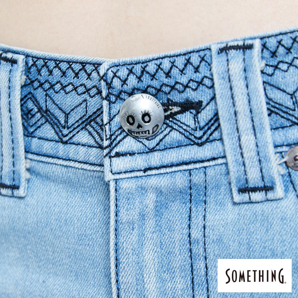 SOMETHING NEO FIT 腰頭繡花刷色 牛仔短裙-女款 拔淺藍 SKIRTS 8