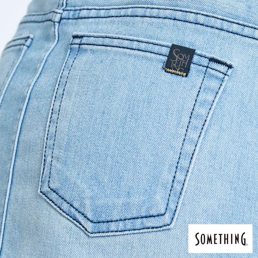 SOMETHING NEO FIT 腰頭繡花刷色 牛仔短裙-女款 拔淺藍 SKIRTS 9