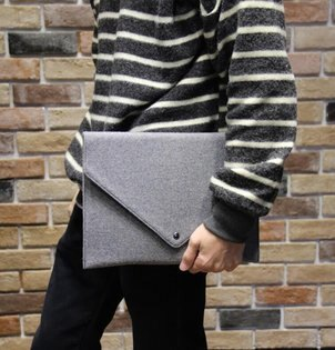 FINDSENSEZ1韓國時尚潮男呢子料手拿包手機包手抓包A4信封包