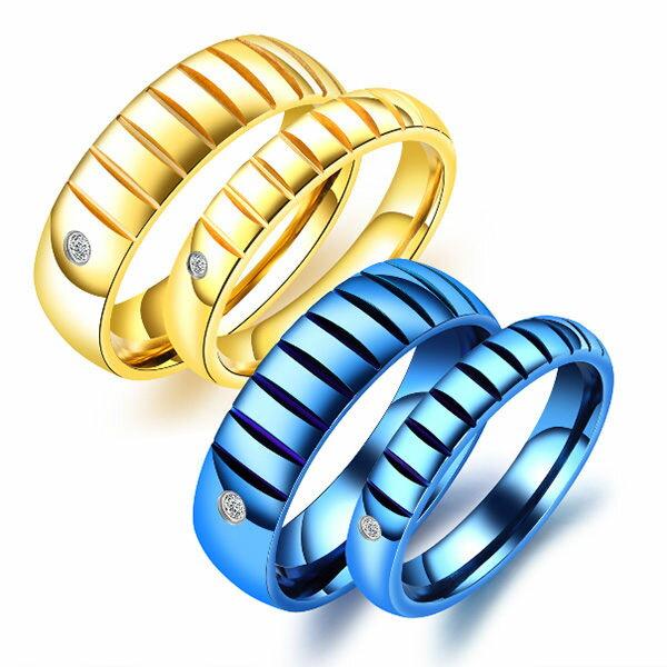 《QBOX》FASHION飾品【R100N620】精緻情侶單色凹槽設計鑲鑽鈦鋼對戒指戒環(男女單款)