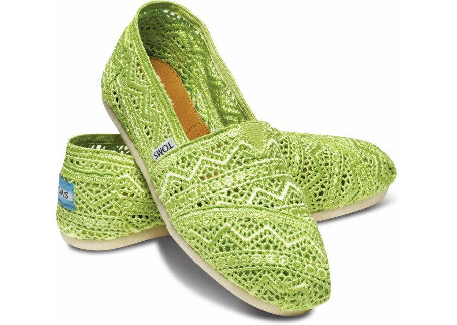 【TOMS】果綠色蕾絲鏤空繡花平底休閒鞋  Neon Lime Crochet Women's Classics 0