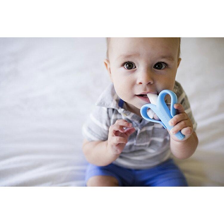 【限量特賣】Pigeon貝親 - 牙齒咬環 (嘴唇訓練) -黃 + Baby Banana - 心型香蕉牙刷(固齒器) 超值組 (原廠公司貨) 2
