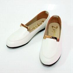 ALMANDO-SHOES★台灣製造一字金片軟墊豆豆鞋底樂福平底鞋★白