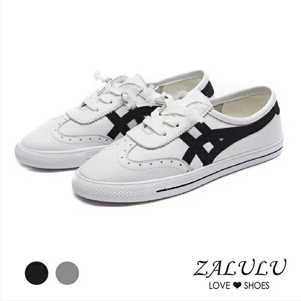 ZALULU愛鞋館7EB111簡約單品配色雕花小白鞋-黑灰-35-40
