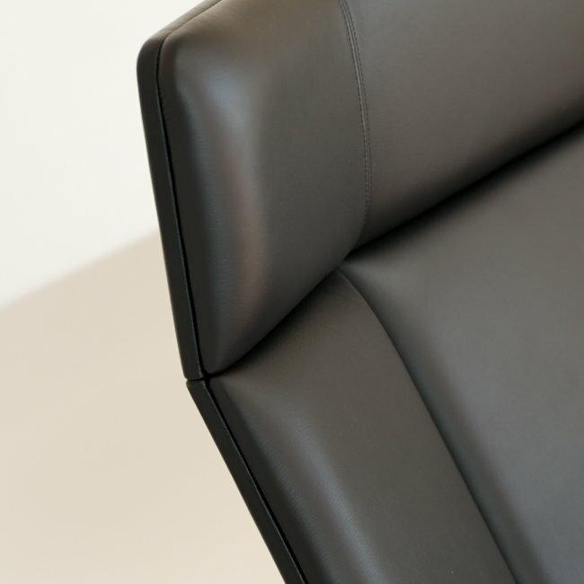 【世貿一館展示中】GRANDE 沙發 3人座 黑胡桃木 黑色真皮【OUTLET】 1