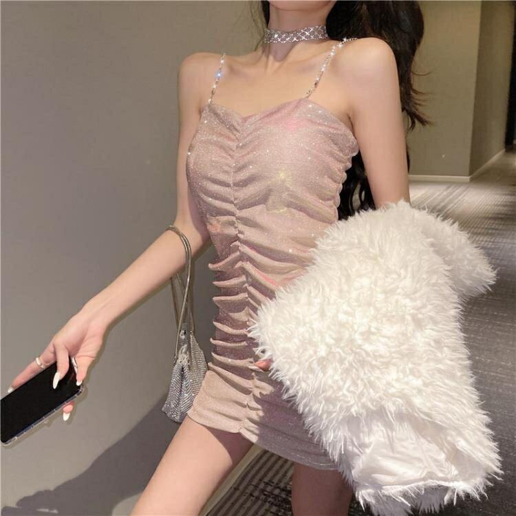 法式吊带裙2021年新款气质性感包臀紧身显瘦打底内搭短款洋裝女 korea時尚記