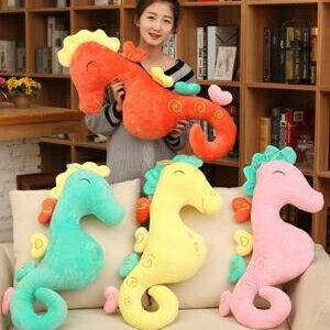 美麗大街【HB106082206】新款上市創意男朋友抱枕四色海馬毛絨玩具公仔情人節節日禮物