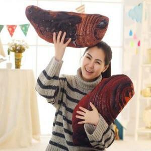 美麗大街【HB107041305E3】獨家首賣!髒髒包抱枕起酥麵包靠墊枕頭(55cm)