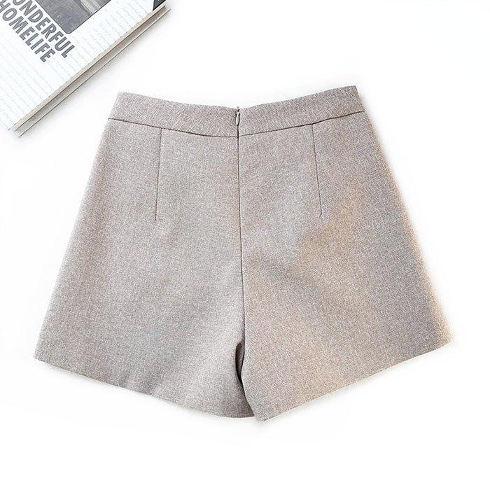 短褲 素色 金屬 裝飾 雙邊釦子 後拉鍊 寬管褲 百搭 短褲【HA855】 BOBI  02 / 14 9
