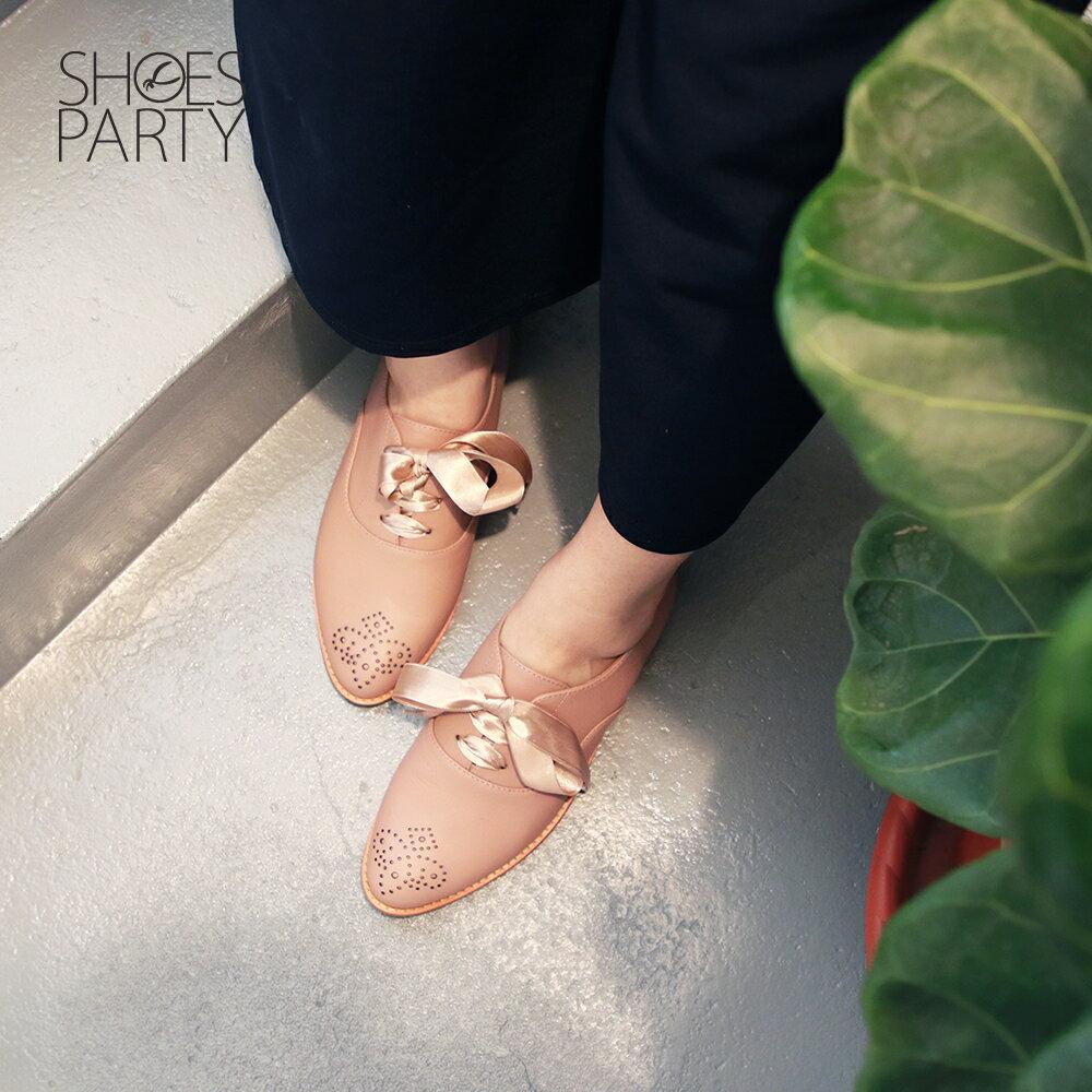 【C2-19306L】經典真皮雕花緞帶牛津鞋_Shoes Party 2