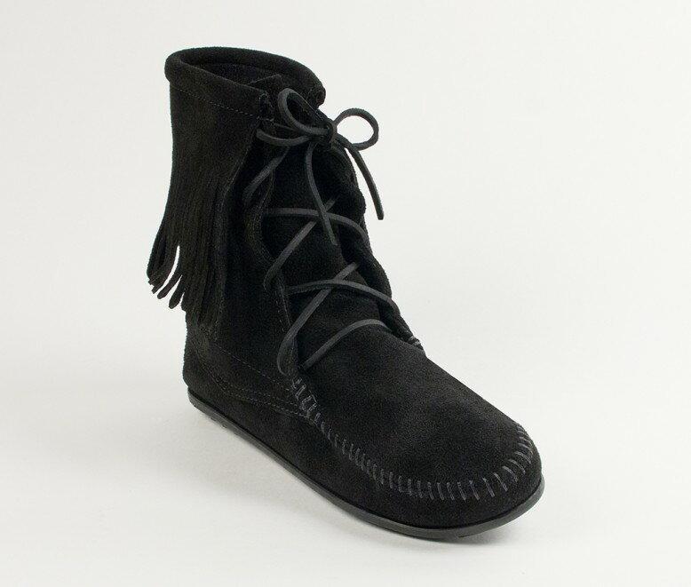 【Minnetonka 莫卡辛】黑色 - 經典綁帶流蘇短靴 0