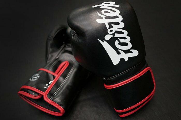 Fairtex 10oz 健身房拳擊手套~重擊打沙袋拳套~Pro Style ~個性化改裝