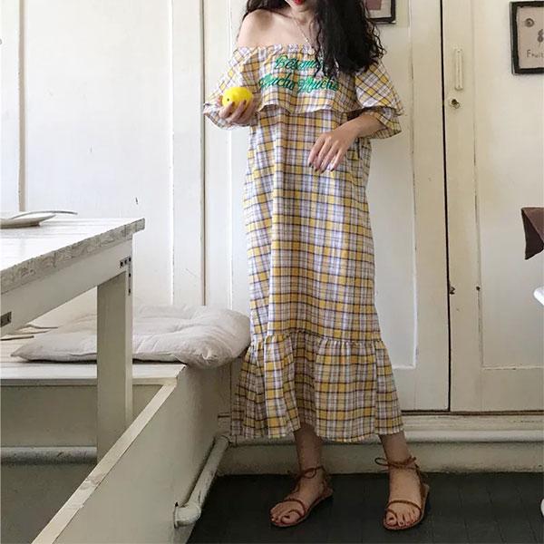 刺繡字母荷葉大翻領格紋洋裝一字領平口露肩連衣裙連身裙魚尾裙魚尾洋裝格子長洋裝海邊渡假韓國ANNAS.