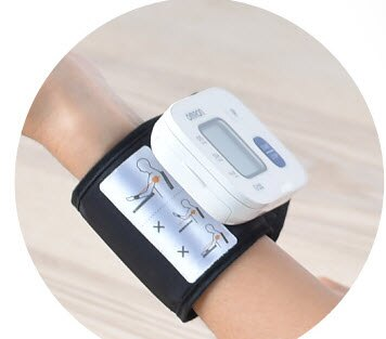 【Omron歐姆龍貨足】血壓計手腕式 HEM-6161
