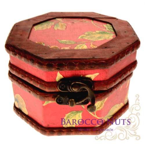 ~Barocco Nuts~^~藏寶箱^~ 5吋八角盒~復古大紅底金牡丹藏寶盒^(仿古 金