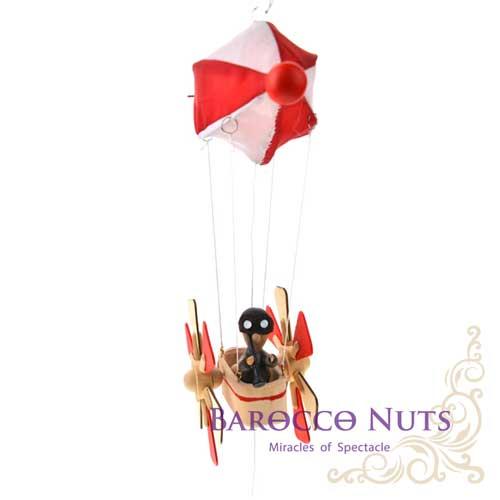 【Barocco Nuts】[懷舊古玩] 木頭懸吊童玩:紅色齊柏林熱汽飛空艇-棕護目鏡觀測員(彈簧/創意/趣味/玩具/航空器/興登堡號/基洛夫空艇/居家/載具/療癒)