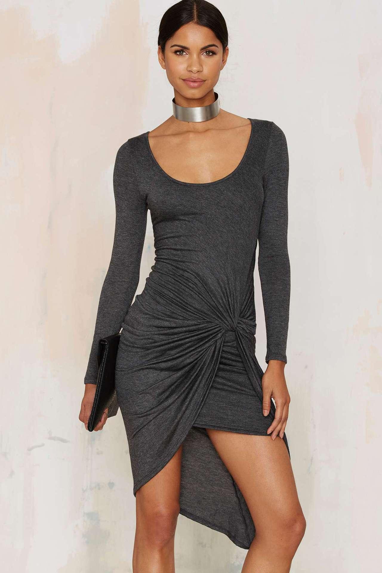 (春暖花開)圓領灰色合身不規則裙襬佯裝預購七天