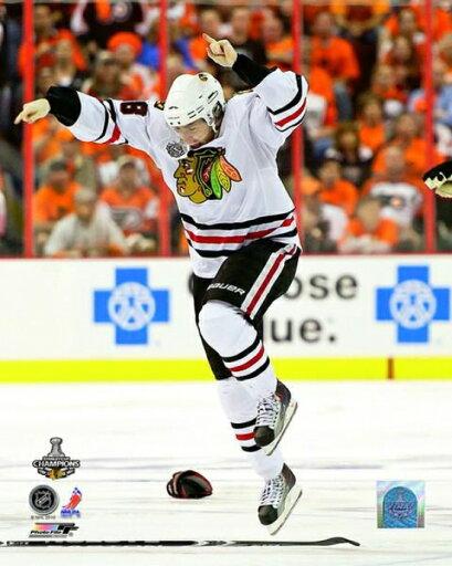 Patrick Kane Celebrates Winning the 2010 Stanley Cup Photo Print (16 x 20) 62f0a5e76ebdc20bb0b0bcce2a888739